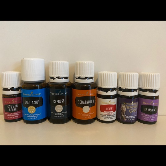 HUGE lot of Young Living essential oils!